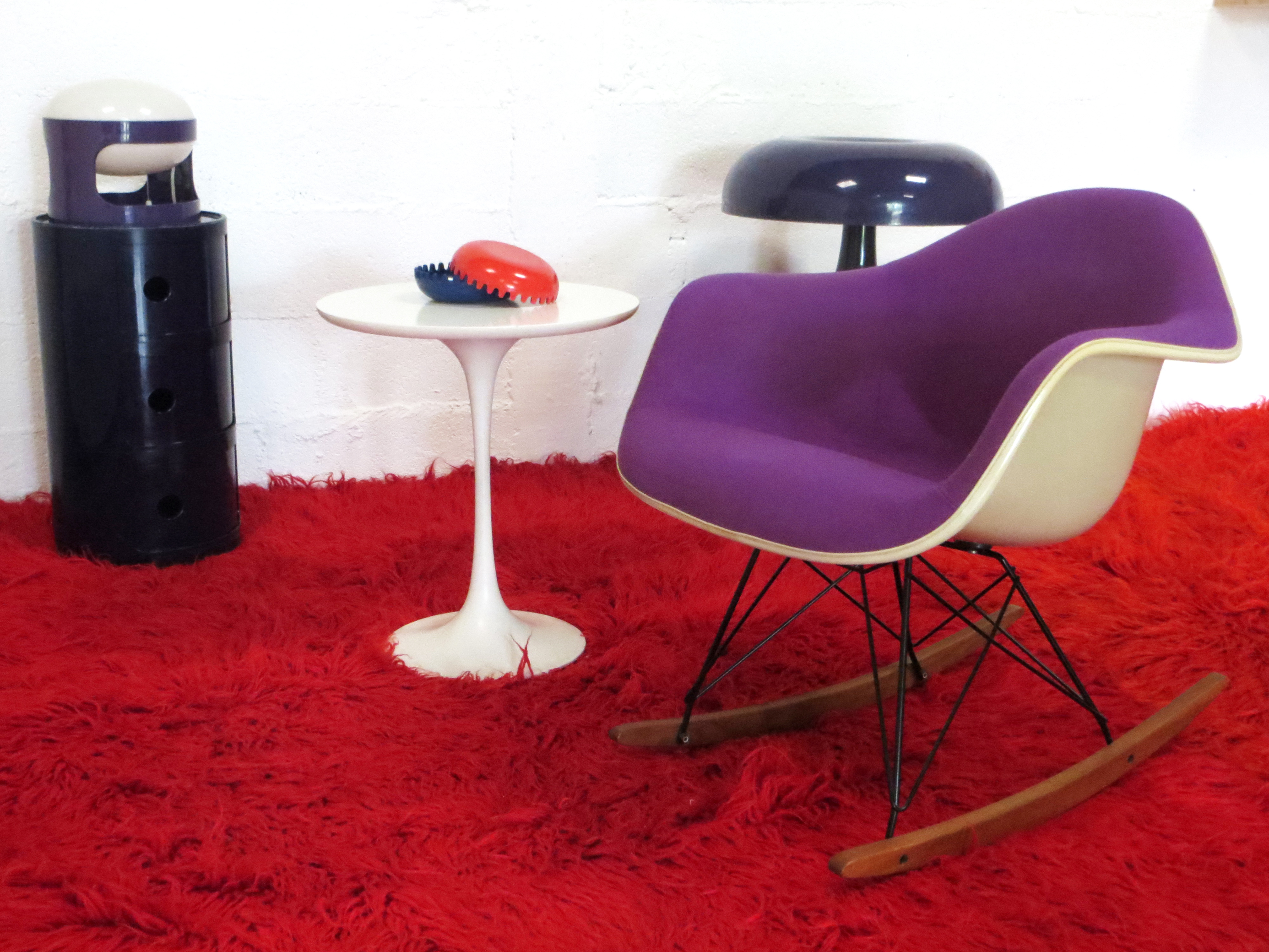 Fauteuil rar de charles ray eames d but ann es 60 for Fauteuil rar eames vitra